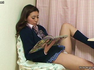 Japanese Schoolgirl Take Off The Panties And Dildo Masturbat